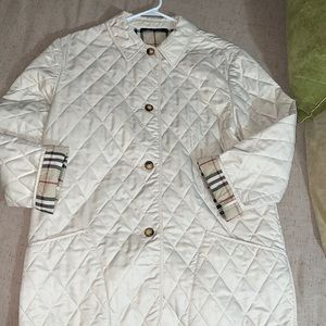 Auth🌺 Burberry Quilted Jacket.